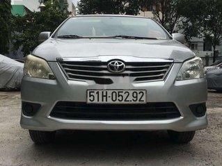 Bán ô tô Toyota Innova sản xuất 2013, đăng ký 2014, màu bạc, giá chỉ 450 triệu