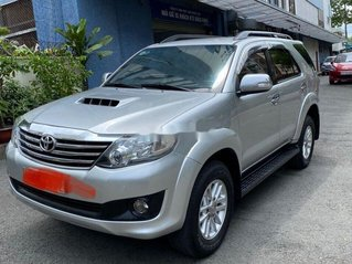 Chính chủ bán ô tô Toyota Fortuner sản xuất năm 2014, màu bạc