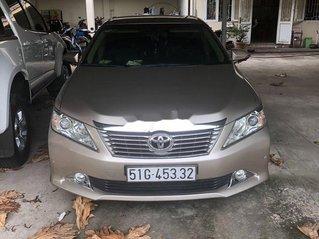 Bán ô tô Toyota Camry sản xuất 2014 còn mới, giá chỉ 680 triệu