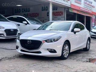 Bán xe Mazda 3 SX 2017, màu trắng