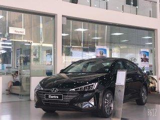 Bán xe Hyundai Elantra 2020, màu đen