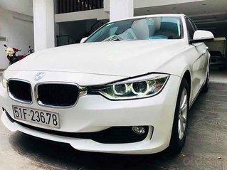 Bán BMW 320i năm sản xuất 2015, màu trắng, xe nhập, 888tr