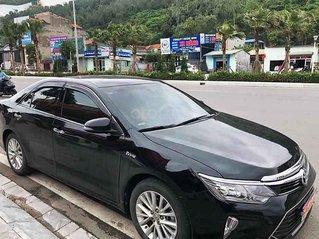 Bán xe cũ Toyota Camry sản xuất 2018, màu đen