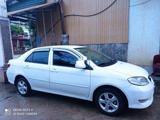 Bán Toyota Vios sản xuất 2004, màu trắng, nhập khẩu nguyên chiếc, giá tốt