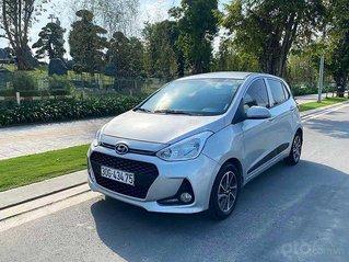 Cần bán xe Hyundai Grand i10 năm 2017, màu bạc còn mới