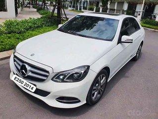 Cần bán gấp Mercedes E class năm 2014, màu trắng còn mới