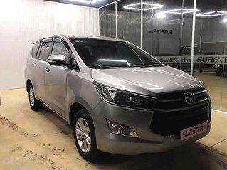 Bán Toyota Innova sản xuất 2017, màu bạc còn mới