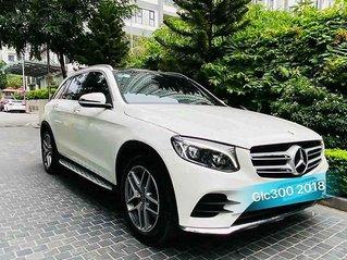Cần bán gấp Mercedes GLC-Class năm 2018, màu trắng còn mới