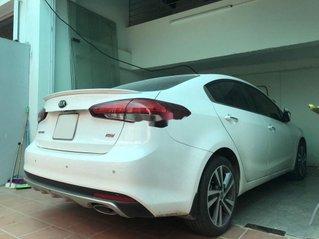 Cần bán gấp Kia Cerato năm sản xuất 2018, màu trắng, nhập khẩu