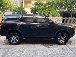 Cần bán xe Toyota Fortuner năm sản xuất 2019, màu nâu còn mới