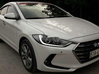 Cần bán lại xe Hyundai Elantra sản xuất năm 2018, màu trắng, nhập khẩu, 625tr