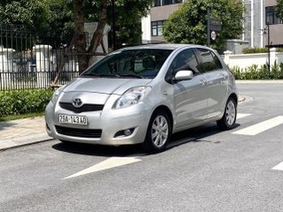 Toyota Yaris 2010 nhập nhật 1.3 màu bạc