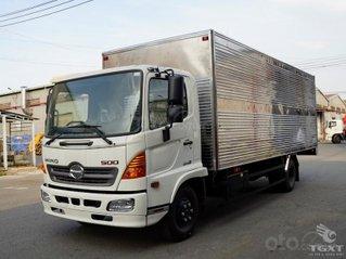 Xe tải Hino thùng kín 6 tấn