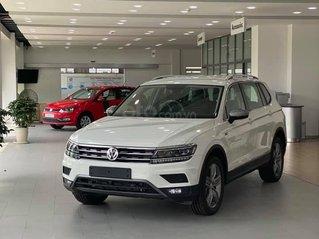 Bán gấp với giá ưu đãi chiếc Volkswagen Tiguan Allspace sản xuất năm 2020