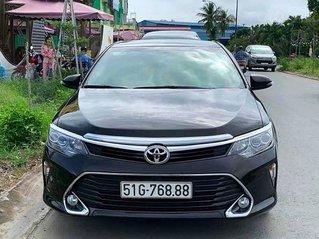 Bán Toyota Camry sản xuất năm 2018, màu đen còn mới
