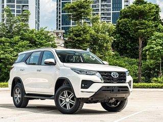 Toyota Fortuner 2021 đủ màu, giảm 50% trước bạ, giá ưu đãi tốt nhất