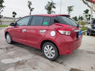 Cần bán xe Toyota Yaris đời 2017, màu đỏ, số tự động