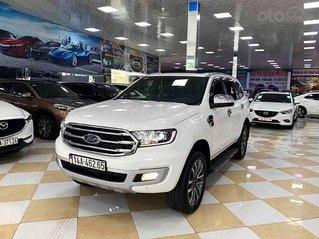 Cần bán gấp xe Ford Everest sản xuất năm 2020, màu trắng