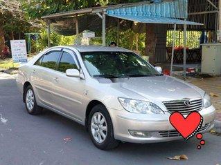 Cần bán lại xe Toyota Camry năm 2002, xe chính chủ còn mới