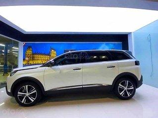 Bán xe Peugeot 5008 năm sản xuất 2020, màu trắng, giá 979tr