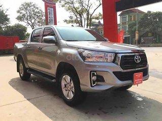 Bán Toyota Hilux sản xuất 2019, màu bạc, xe nhập