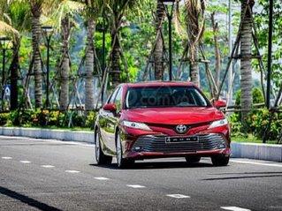 Toyota Camry 2.0G giá siêu tốt