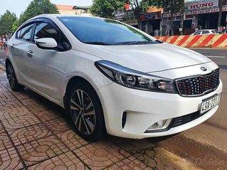 Bán xe Kia Cerato đời 2018, màu trắng số sàn, giá 470tr