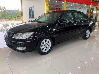 Cần bán lại xe Toyota Camry sản xuất 2004, màu đen giá cạnh tranh
