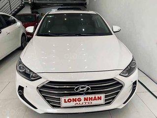 Cần bán Hyundai Elantra năm 2017, màu trắng, giá thấp, xe chính chủ