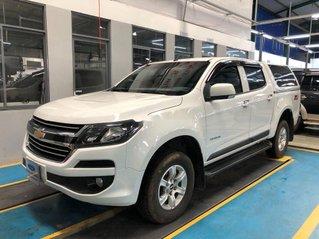 Cần bán Chevrolet Colorado năm 2017, màu trắng, xe nhập còn mới