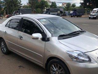 Cần bán xe Toyota Vios 2013, màu bạc, giá 285tr