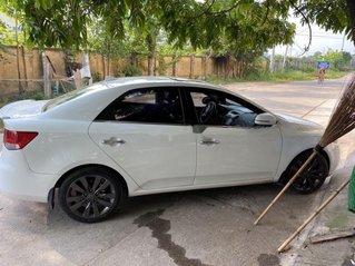 Cần bán lại xe Kia Forte 2012, màu trắng, giá 320tr