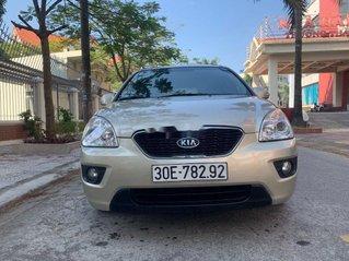 Gia đình bán Kia Carens năm sản xuất 2011, màu vàng cát