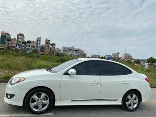 Bán gấp Hyundai Avante 1.6AT đời 2014, màu đen