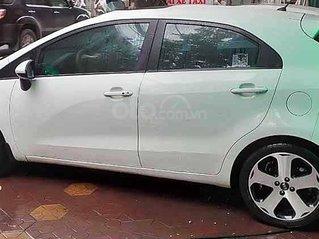 Chính chủ bán xe Kia Rio năm sản xuất 2013, màu trắng, nhập khẩu