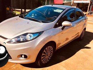 Bán ô tô Ford Fiesta sản xuất năm 2011, màu bạc, số tự động
