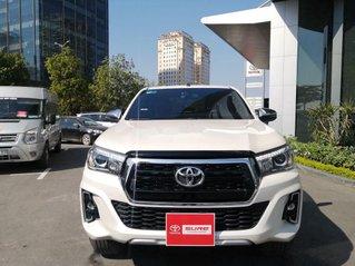 Chính chủ bán xe Toyota Hilux sản xuất năm 2019, màu trắng, nhập khẩu