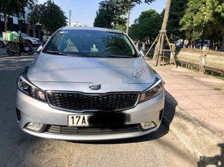 Bán lại xe Kia Cerato sản xuất năm 2017, màu bạc