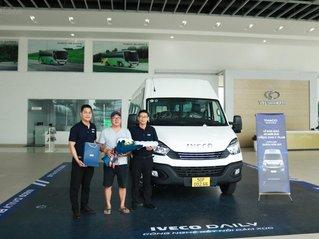 Bán xe Mini Bus Iveco Daily 19 chỗ đời 2020