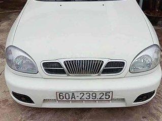 Cần bán xe Daewoo Lanos sản xuất năm 2003, màu trắng còn mới