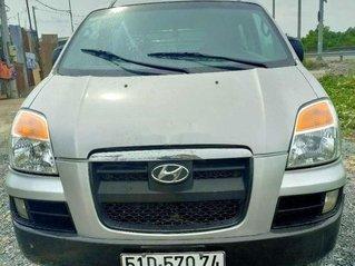 Cần bán xe Hyundai Starex năm 2004, xe nhập, còn mới