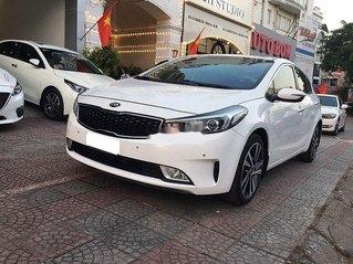 Bán gấp chiếc Kia Carens sản xuất năm 2018, xe một đời chủ giá ưu đãi