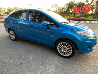 Bán xe Ford Fiesta sản xuất năm 2011, màu xanh lam, nhập khẩu