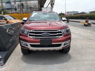 Ford Everest Titanium ưu đãi cuối năm gần trăm triệu