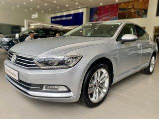 Passat Bluemotion màu bạc - Sedan 5 chỗ nhập 100% Đức - giảm hơn trước bạ và nhiều quà tặng phụ kiện cuối năm