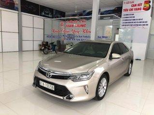 Bán xe Toyota Camry E hộp số số tự động, đi 50.000 km
