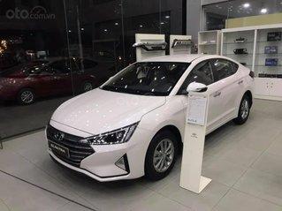 Hỗ trợ mua xe giá thấp với chiếc Hyundai Elantra 1.6MT đời 2020 giao nhanh toàn quốc