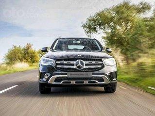 Giá xe Mercedes GLC 200 2020 - khuyến mãi, thông số, giá lăn bánh giảm tiền mặt, tặng bảo hiểm và phụ kiện tháng 11/2020