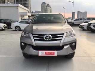 Cần bán xe Toyota Fortuner 2.4G MT 2019, màu bạc gia đình HCM đi 35.000km - Xe cũ chính hãng giá tốt