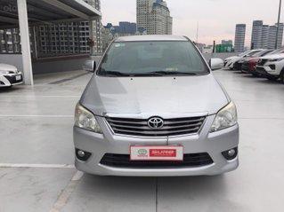 Cần bán xe Toyota Innova 2.0V AT 2013, màu bạc xe công ty XHĐ đủ đi 126.000km - xe cũ chính hãng giá tốt